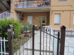 VENDESI Appartamento indipendente con giardino - Pitigliano GR - Centro abitato