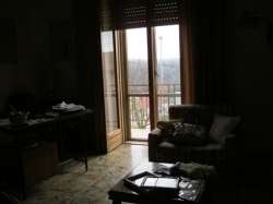 VENDESI Appartamento con terrazzo - Pitigliano GR - Centro abitato