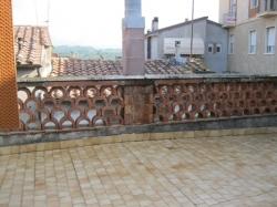 VENDESI Appartamento con terrazzo - Pitigliano GR - Centro storico