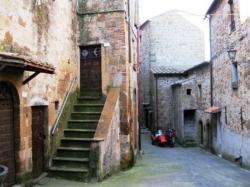 VENDESI Monolocale - Pitigliano - Centro storico