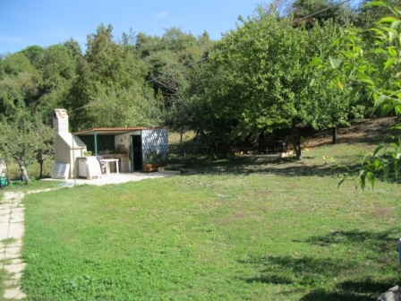 appartamento con orto e giardino