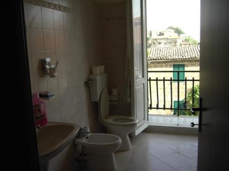 VENDESI Appartamento - San Giovanni delle Contee GR - Città