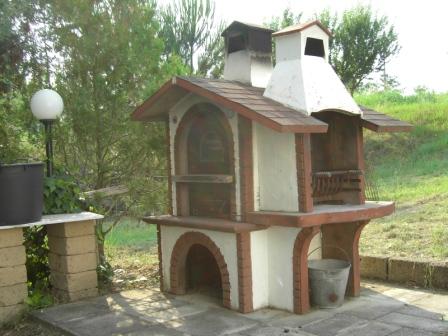 Vendesi casa di campagna con terreno pitigliano gr for Piani casa di campagna